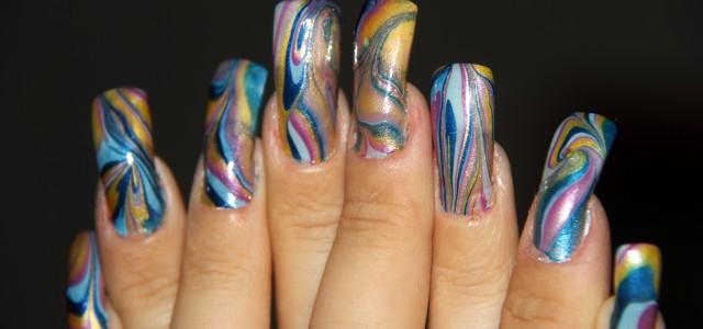 Nail art effetto marmorizzato