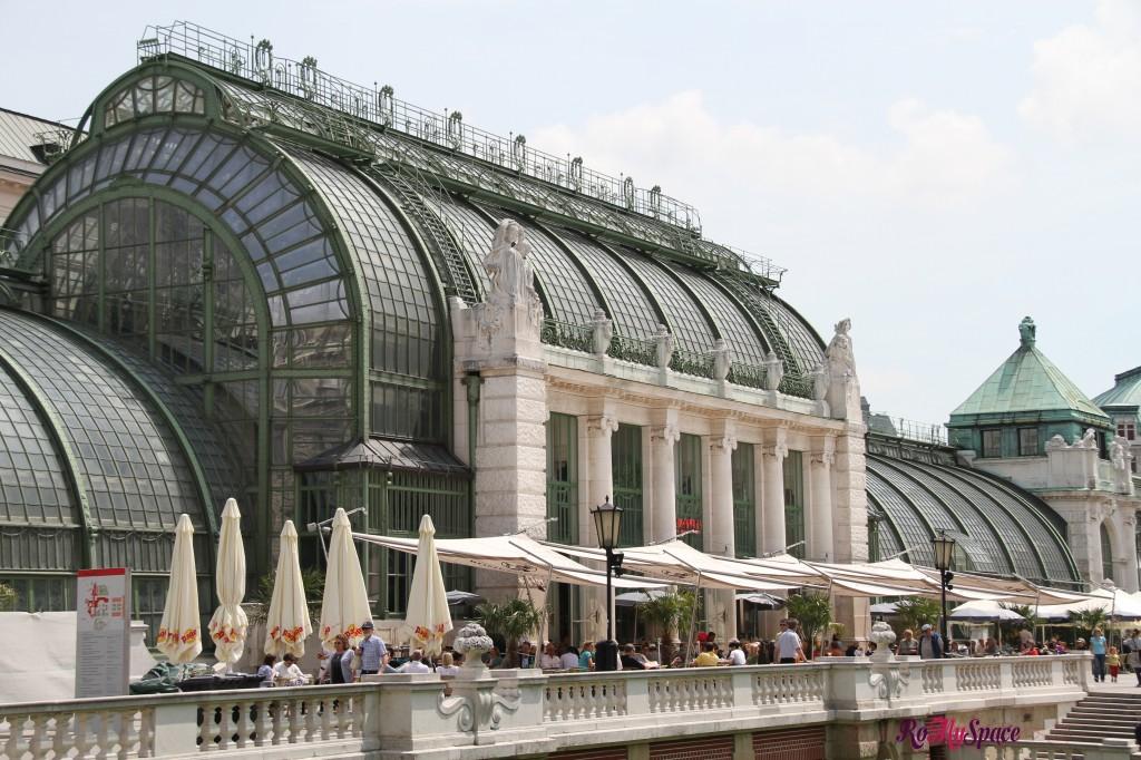 ex serra del palazzo imperiale dell'Hofburg, ora è un cafè