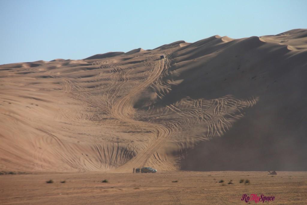 salita sulla duna con il fuoristrada - deserto sharqiya - oman