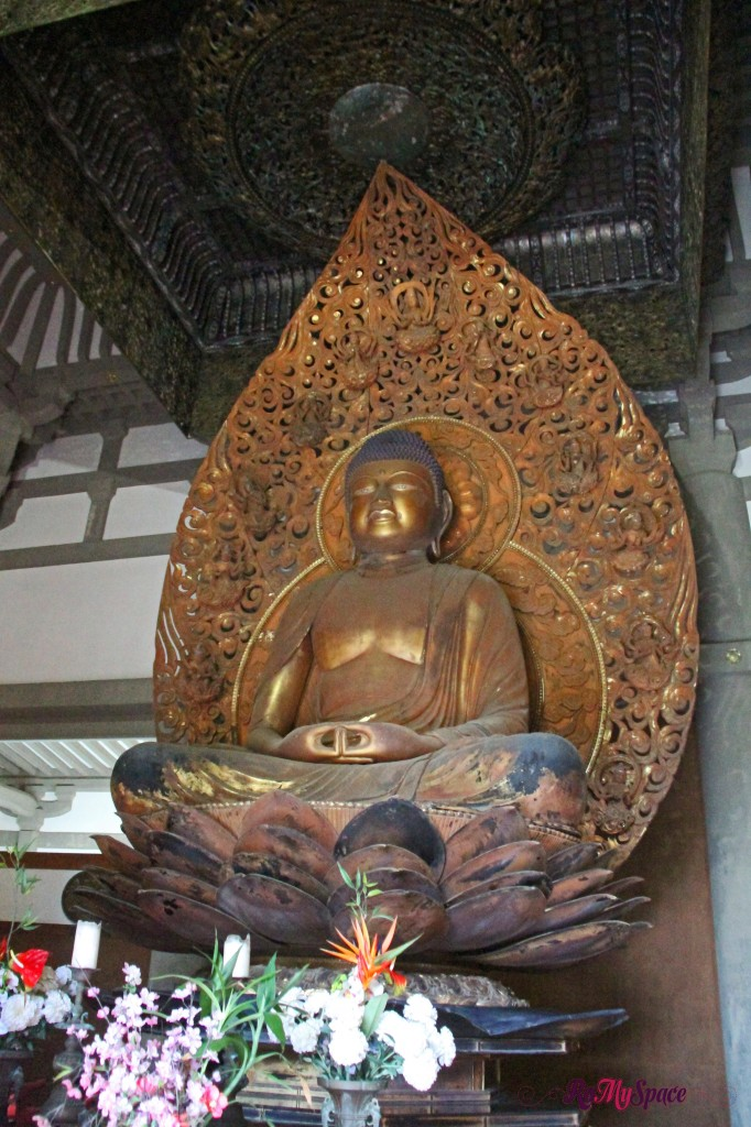 buddha - byodo-in temple - valley of temples
