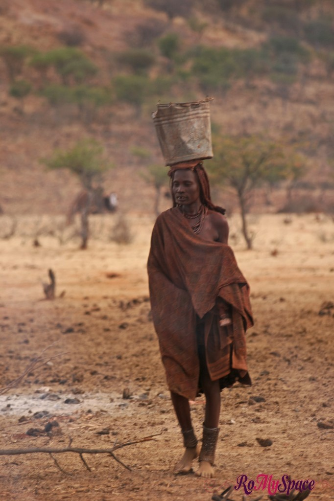 Villaggio Himba vicino a Epupa Falls