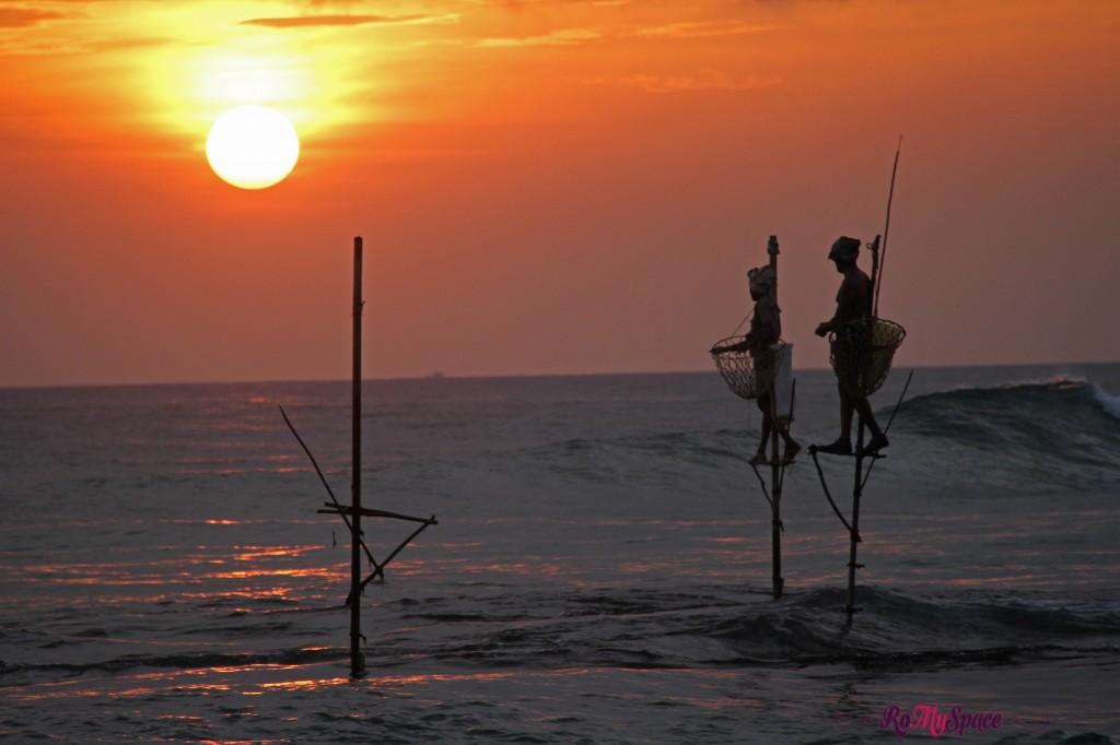 i pescatori trampolieri al tramonto