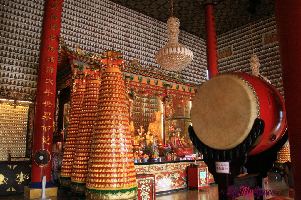 Hong Kong - 10000 Buddha temple