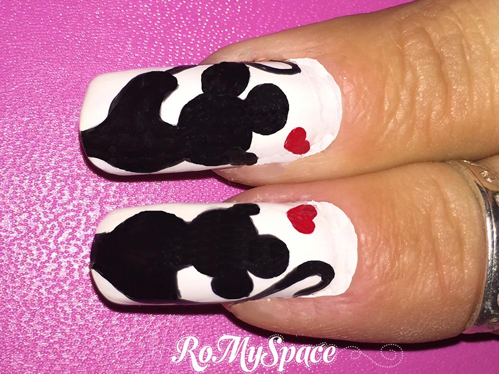 nail art nails unghie decorazione topo mouse minnie topolino mickey disney bianco nero white black romyspace foto tutorial passo passo finale