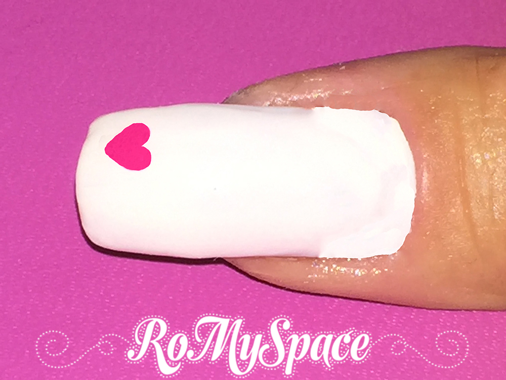 nailart nail art nails unghie decorazione smalti dotter cuore heart san valentino valentine be my valentine bianco white rosa pink fucsia romyspace tutorial passopasso foto photo finale