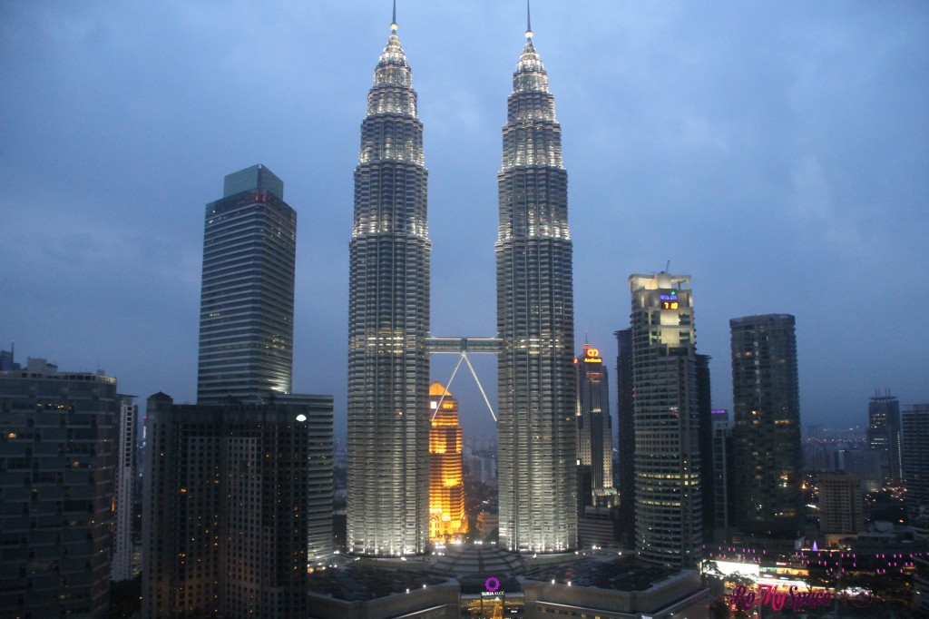 KL kuala lumpur malesia malaysia photo pic foto photooftheday romyspace top destination diario di viaggio travel diary picoftheday petronas towers twin towers 2