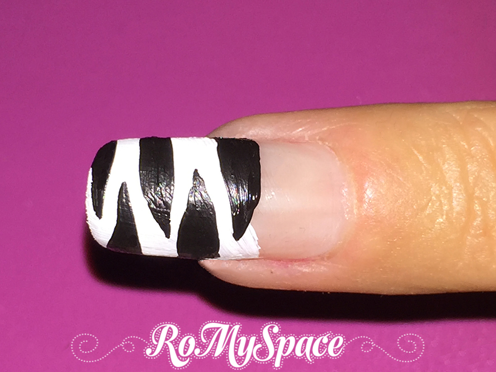 romyspace nailart nails unghie decorazione polish smalto zebra africa bianco white nero black tutorial fototutorial finale