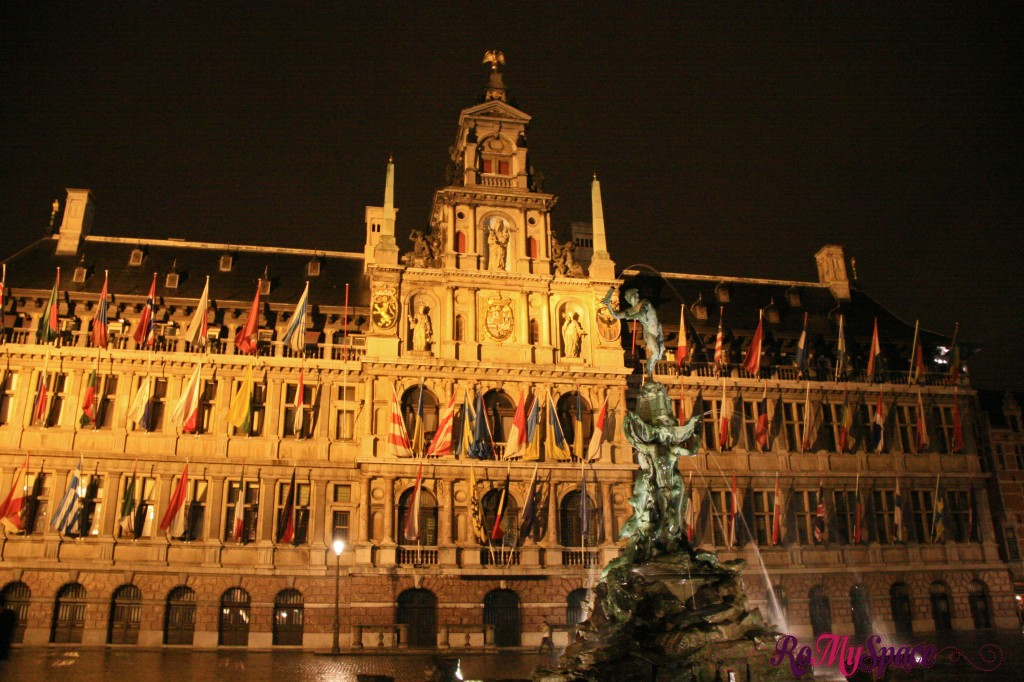 Anversa - by night