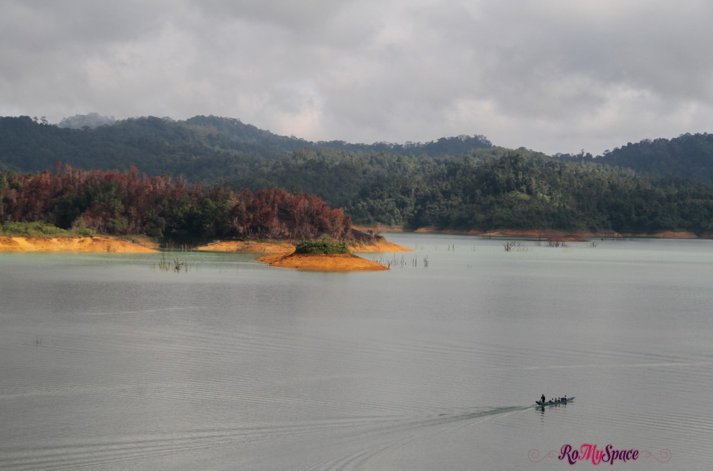 lago al batang ai national park