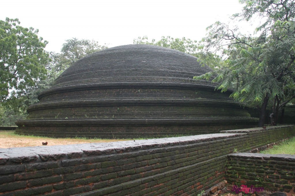 polonnaruwa - kiri vihara