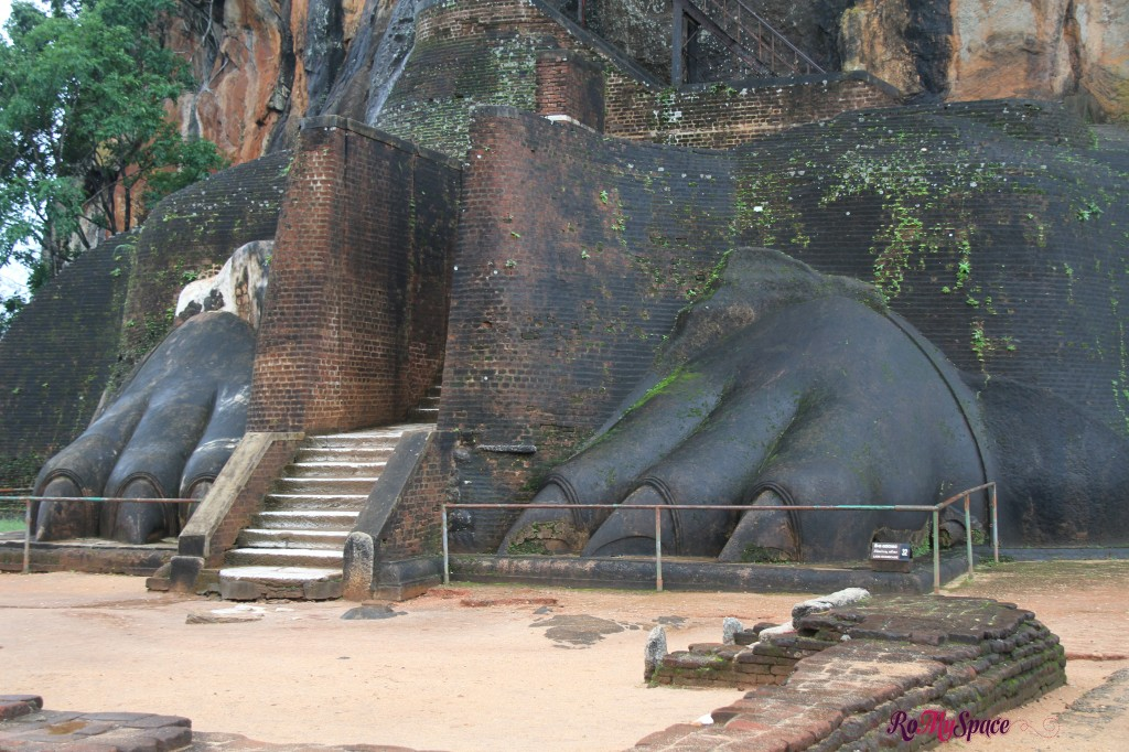 sigiriya - porta dei leoni