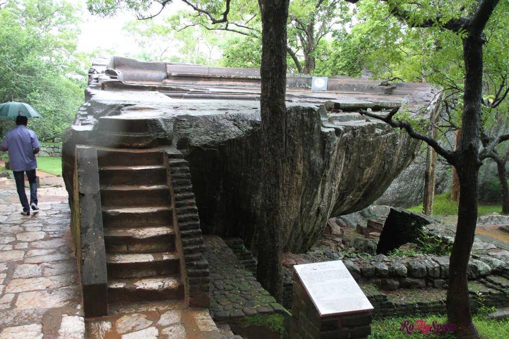 sigiriya - scale in pietra