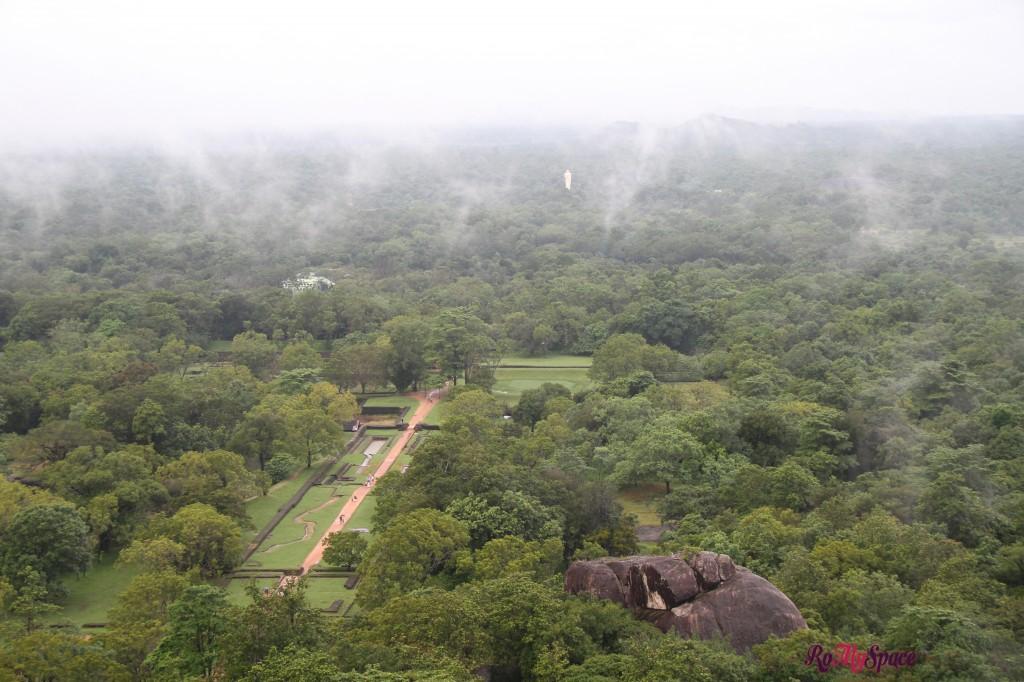 sigiriya - vista dal palazzo superiore