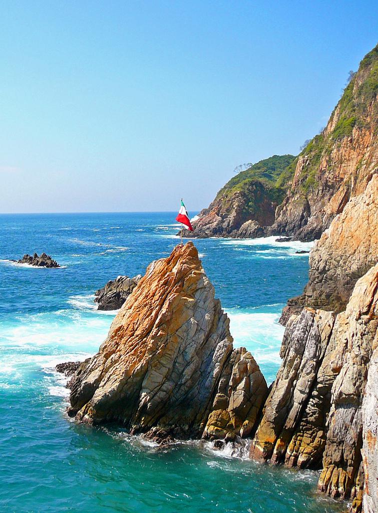 Acapulco credits cycling-man