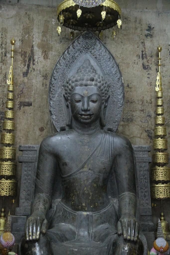 ayutthaya_wat na phra meru_carrie