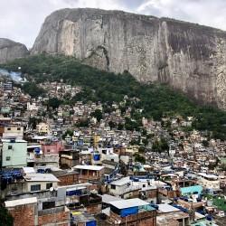 La favela di Rocinha a Rio de Janeiro