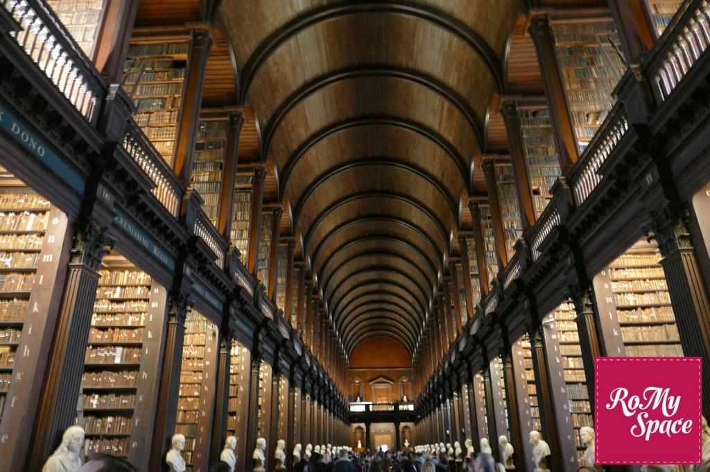 trinity college libreria