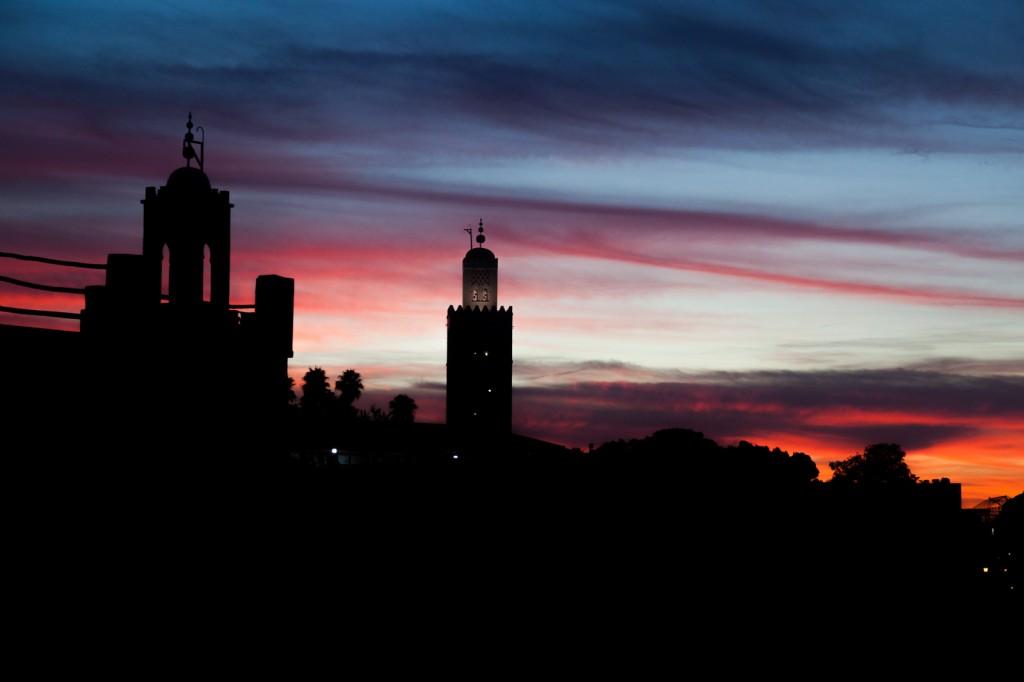 Non ho amato Marrakech, ma questa foto al tramonto è lo sfondo del mio desktop da quando l'ho scattata!